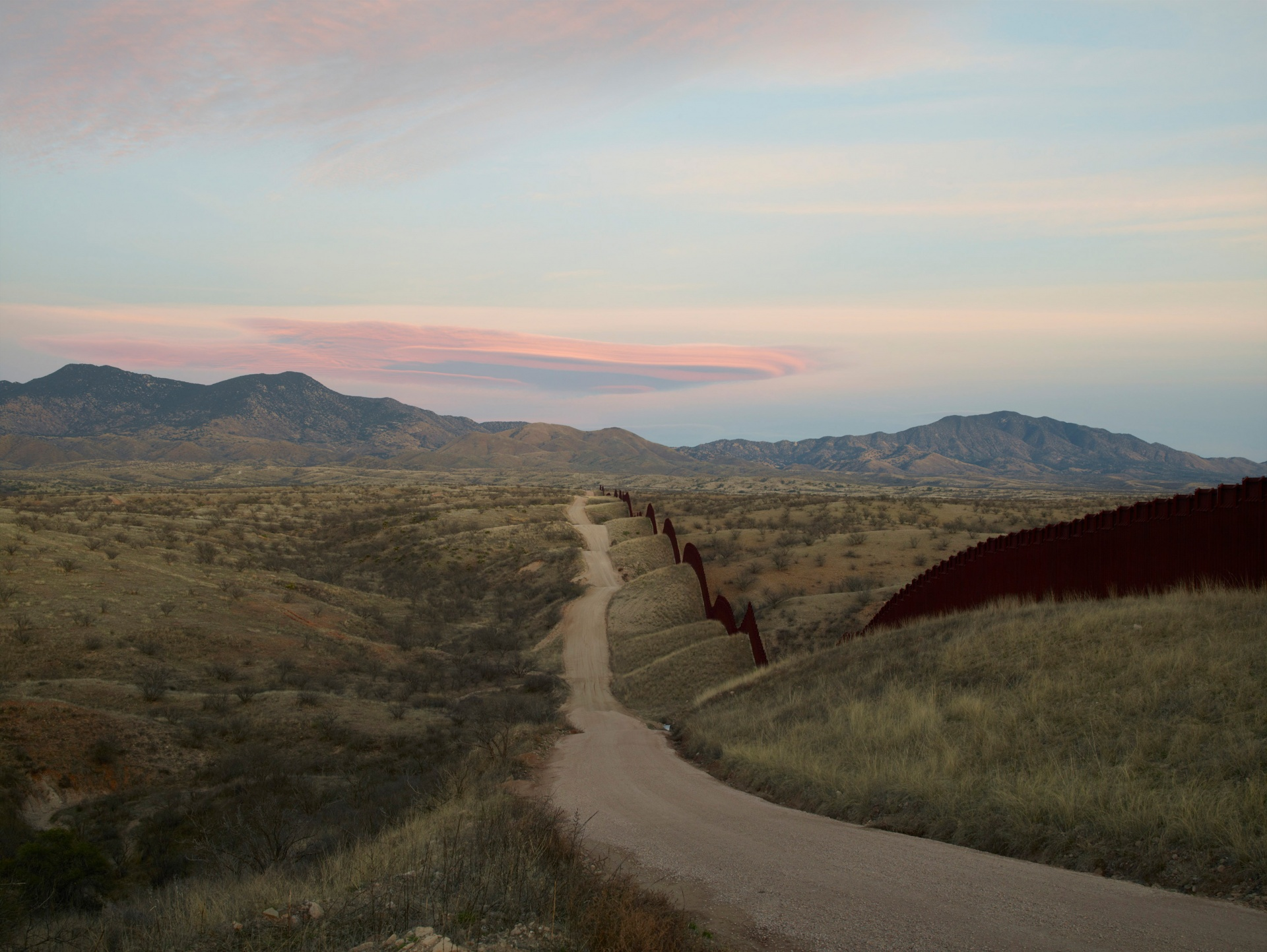 Richard Misrach, Wall, east of Nogales / Pace and Pace/MacGill Gallery, New York