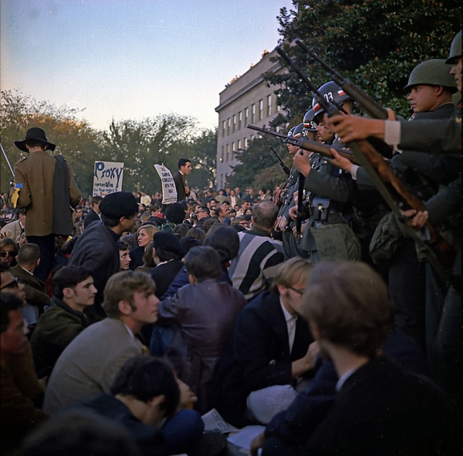 Protest outside the Pentagon, 1967 / Wikimedia