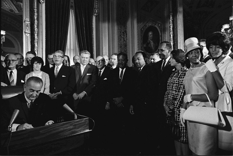 Lyndon Johnson signing the 1965 Voting Rights Act / Wikimedia