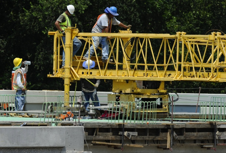 CNS photo/Larry W. Smith, EPA