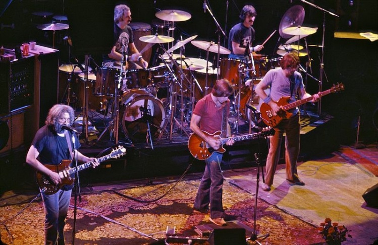 The Grateful Dead in 1980 / Chris Stone - Wikimedia
