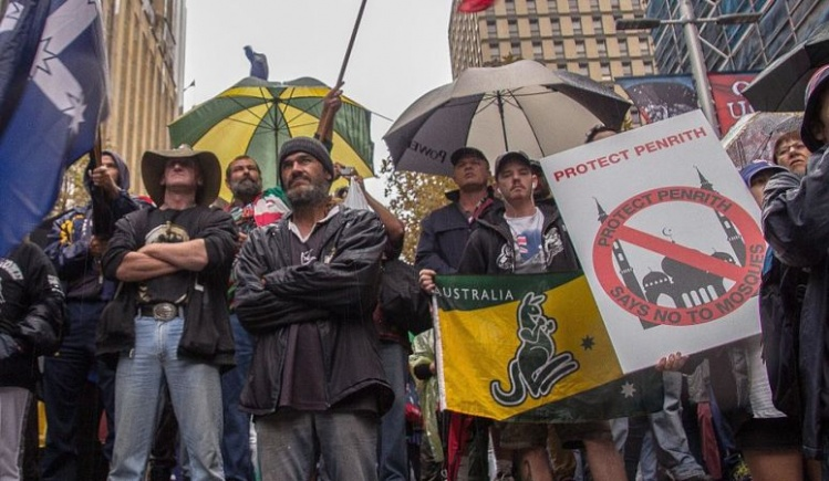 Rally in Sydney / By Anthony Brewster - Wiki Commons