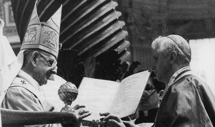 Paul VI and Joseph Ratzinger / Wikimedia