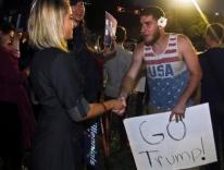 Clinton voter meets Trump voter / CNS photo