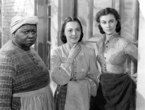 Hattie McDaniel, Olivia de Havilland, and Vivien Leigh in 'Gone with the Wind' / Wikimedia
